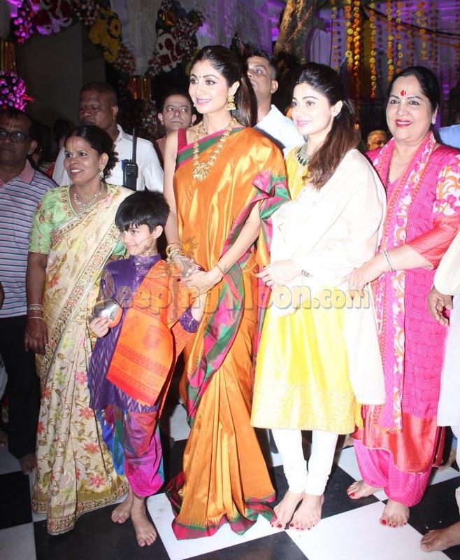Shilpa Shetty offers prayers at a temple in Mumbai along
