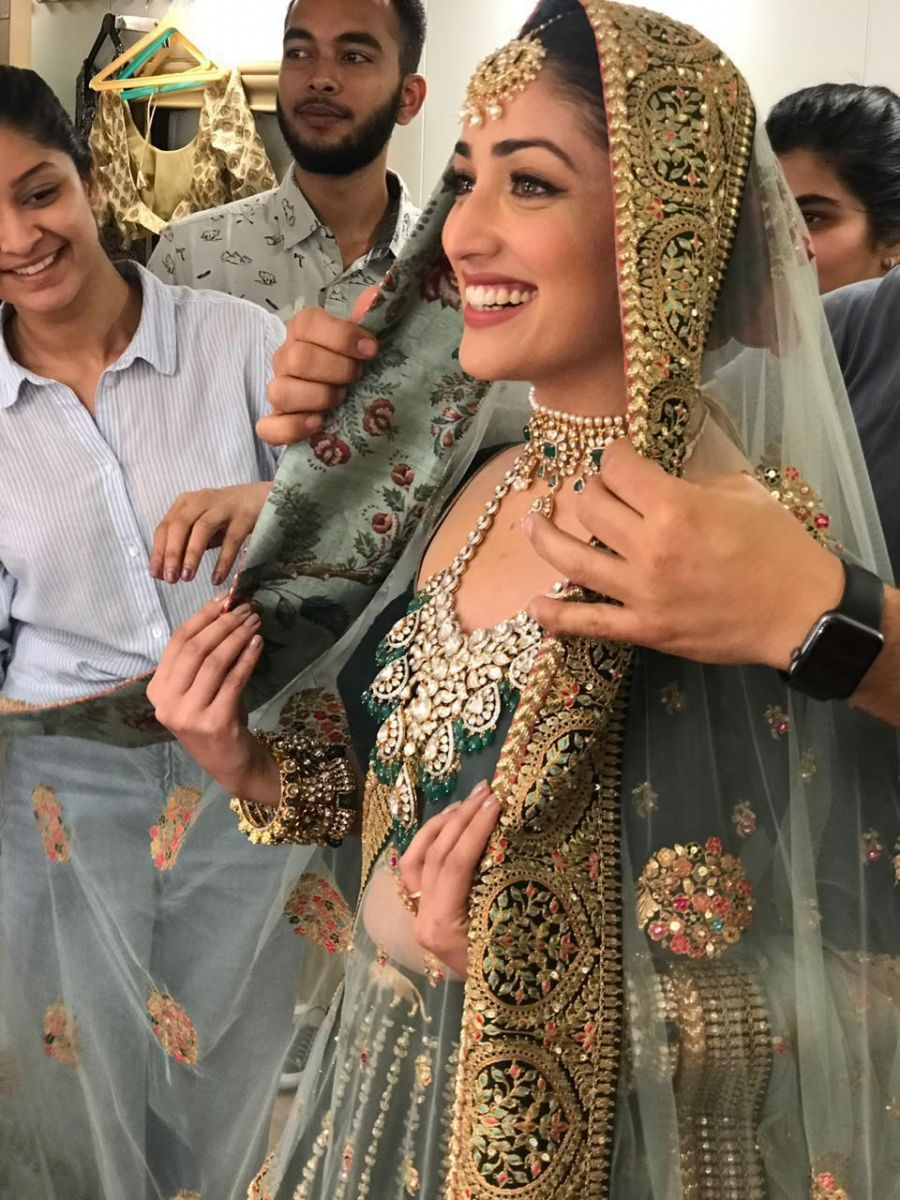 Yami Gautam S Bridal Look From Her Film With Vikrant Massey Titled Ginny Weds Sunny Revealed
