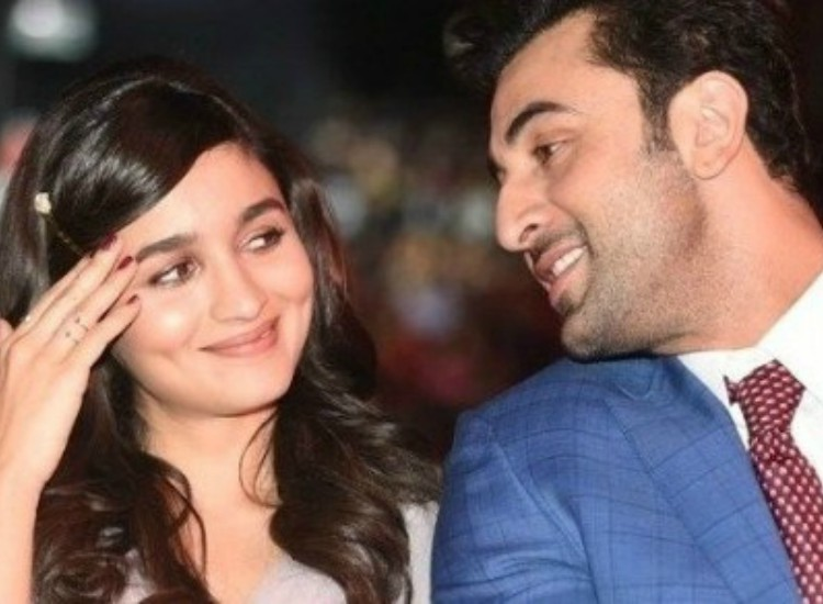 From being hooked on to alias song dilbaro to marriage ranbir yes ranbir kapoor and alia bhatt are dating also yes he is smitten by her for he pretty much likes everything that involves her thecheapjerseys Gallery