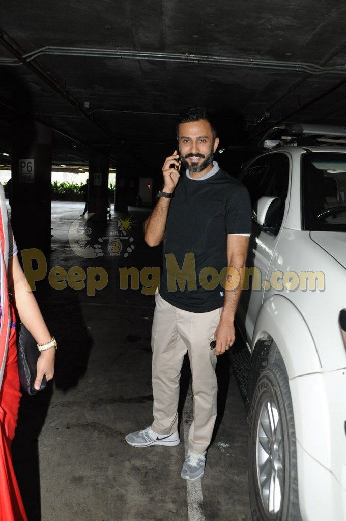 The groom is here! Anand Ahuja lands in Mumbai ahead of