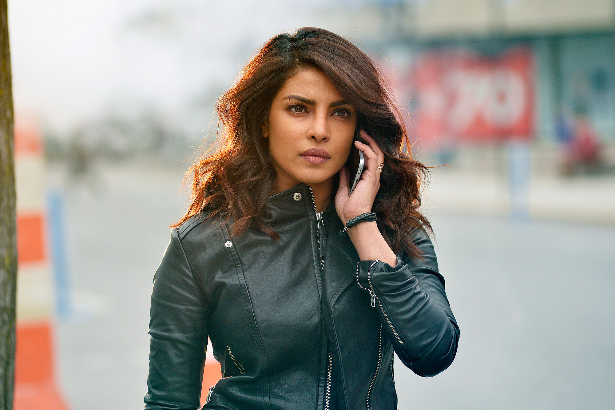 Quantico Yes Its Graduation Day For The Nats Of Quantico While In The Future Alex And Her Team Find Themselves Head To Head With The Terrorist On