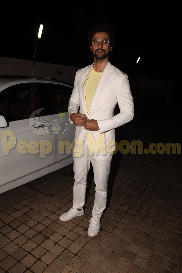 GOLD screening: Mouni Roy, Amit Sadh, Kunal Kapoor, Vicky