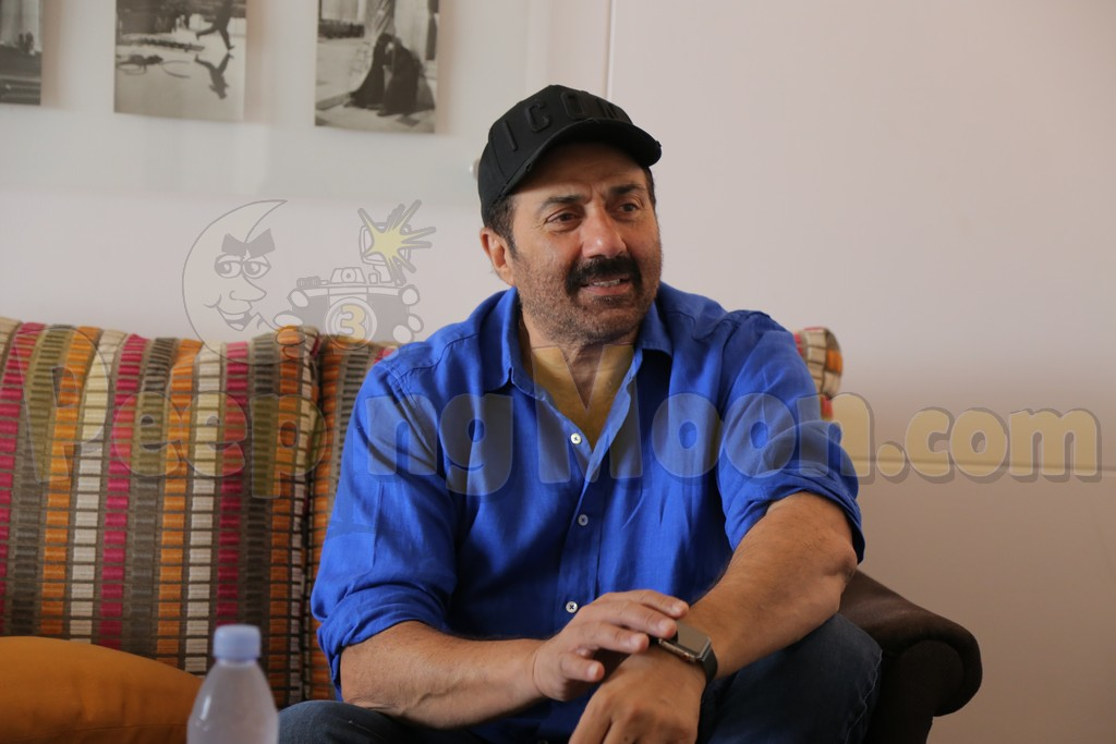 Sunny Deol clicked during The Mark Manuel Interview