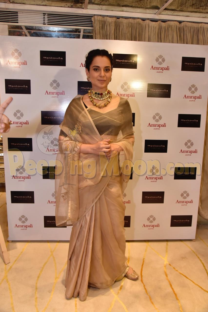 Kangana Ranaut looks ethereal at the unveiling of a jewellery